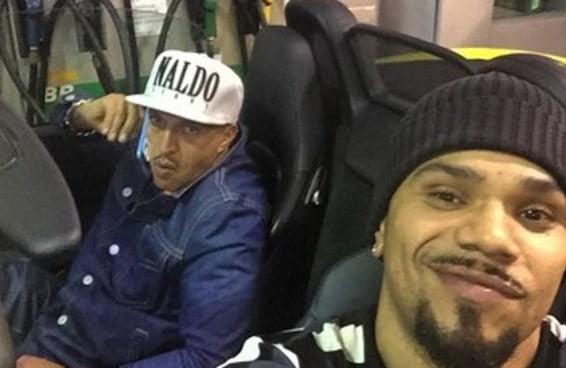 """Fãs de Mano Brown dizem que rapper """"se corrompeu"""" ao fazer parceria com Naldo"""