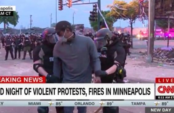 Um repórter negro da CNN e sua equipe foram presos ao vivo durante os protestos em Mineapolis