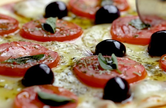 Pizza de frigideira com massa de pastel