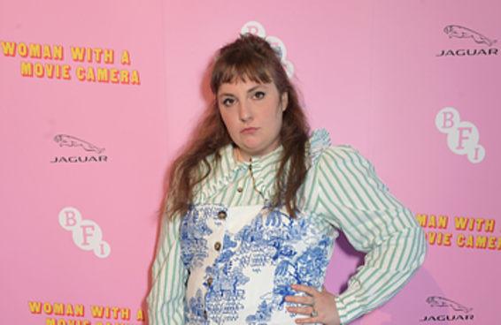 Lena Dunham criticou quem a ataca por causa de seu peso: 'Magreza não é sinônimo de saúde'