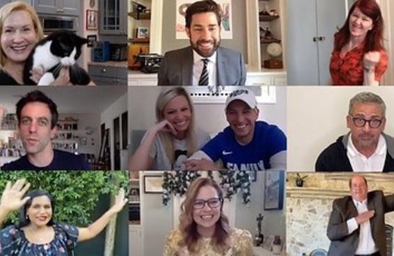 """John Krasinski reuniu o elenco de """"The Office"""" em uma chamada virtual para celebrar um casamento"""