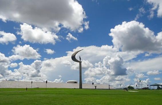 18 razões para você nunca colocar os pés em Brasília