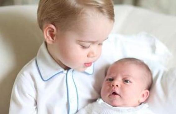 As primeiras fotos do príncipe George e da Princesa Charlotte juntos