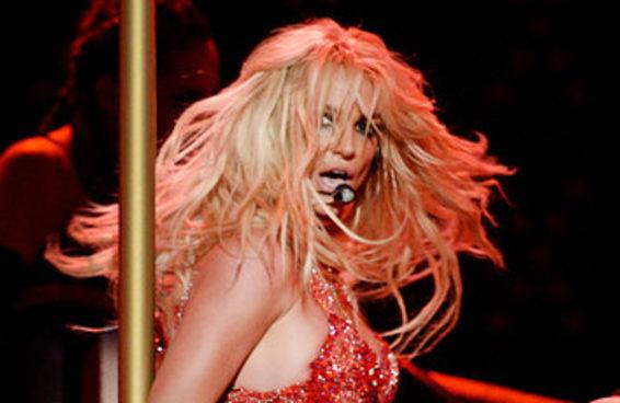 Tente não gritar durante a performance impecável de Britney no BBMA