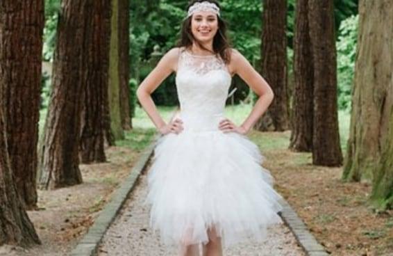 17 noivas que arrasaram com seus vestidos curtos