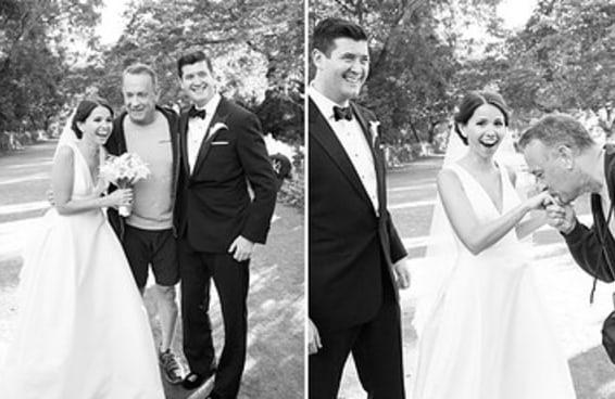 O casal mais sortudo do mundo teve sua foto invadida por Tom Hanks