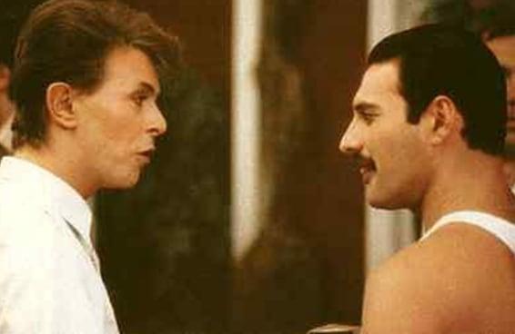 """A linha vocal isolada de Freddie Mercury e David Bowie cantando """"Under Pressure"""" é incrível"""