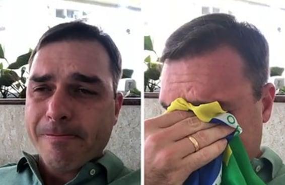 O vídeo do Flávio Bolsonaro chorando NÃO é de agora