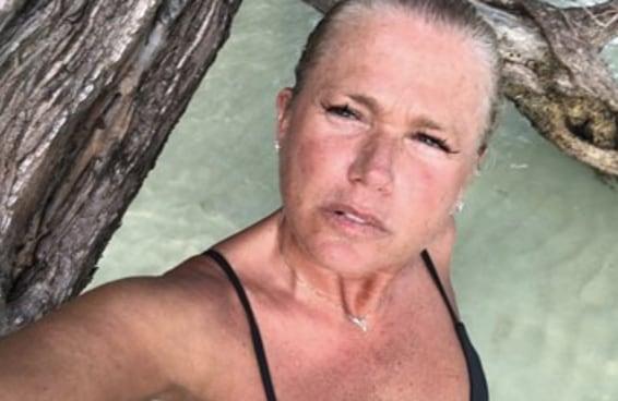 Como uma foto da Xuxa mostra que as mulheres são criticadas até por envelhecerem
