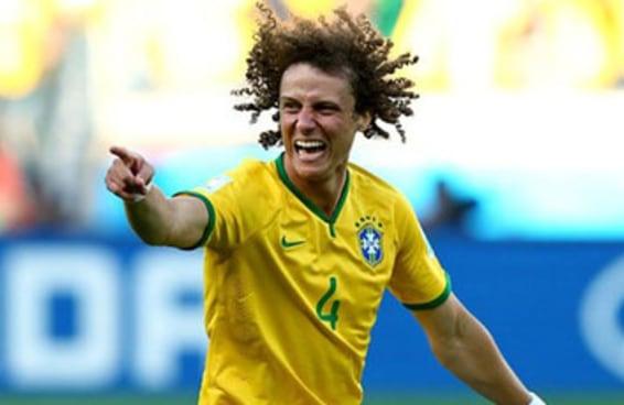 """Estes 16 gifs de David Luiz dançando enlouquecidamente no """"Esquenta"""" irão salvar seu dia"""