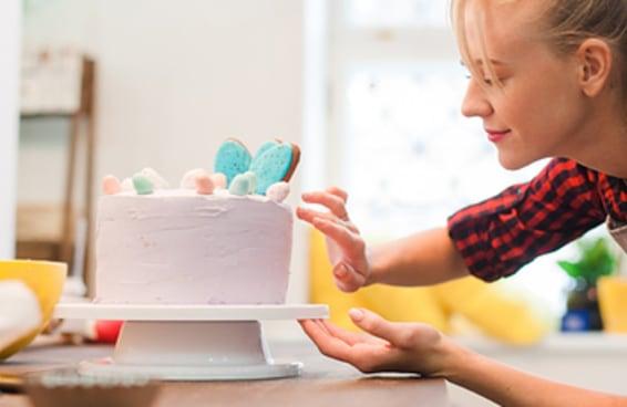 Monte o bolo perfeito e diremos com quem você irá se casar