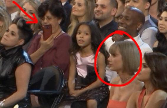 Esta mulher tentou tirar uma foto de Taylor Swift disfarçadamente no Grammy