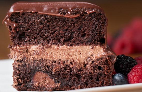 Este bolo é perfeito para você que é apaixonado por chocolate