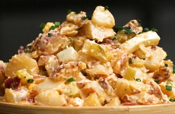 Esta salada de batata é um ótimo acompanhamento