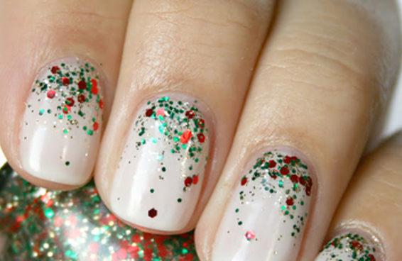 15 maneiras fáceis de decorar suas unhas para o Natal