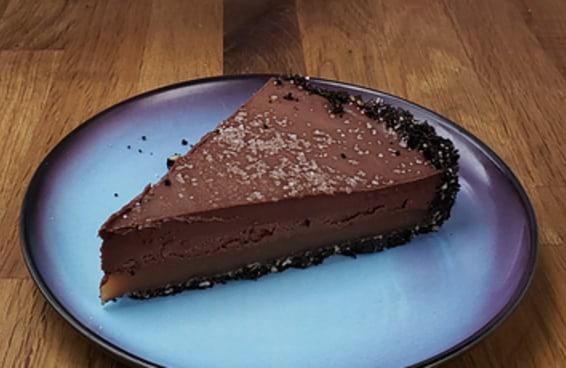 Esta torta de chocolate com caramelo é a sobremesa perfeita
