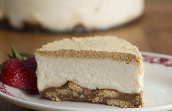 Imagina fazer um cheesecake com a base feita de palha italiana?