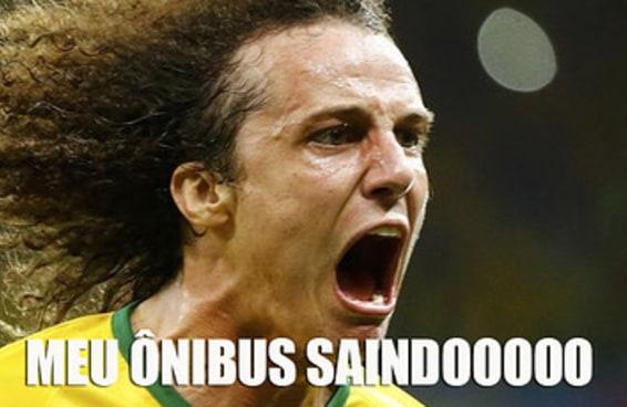 10 situações cotidianas para sair gritando que nem o David Luiz na comemoração do gol