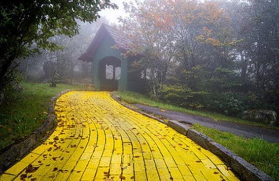 """Este parque temático do """"Mágico de Oz"""" se tornou um lugar fantasmagórico"""