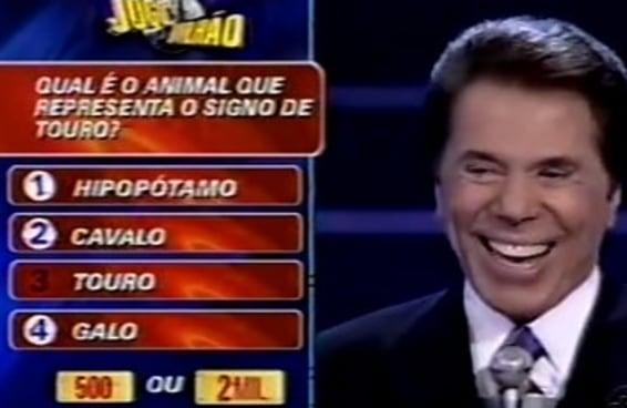 """15 respostas do """"Show Do Milhão"""" que só podem ter sido boladas pelo próprio Silvio Santos"""