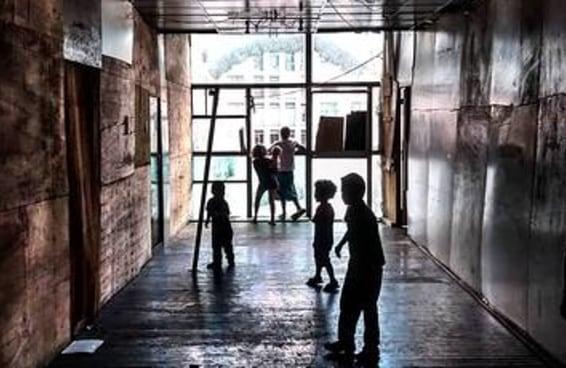 17 fotos que mostram como era a vida dentro do prédio que desabou em SP