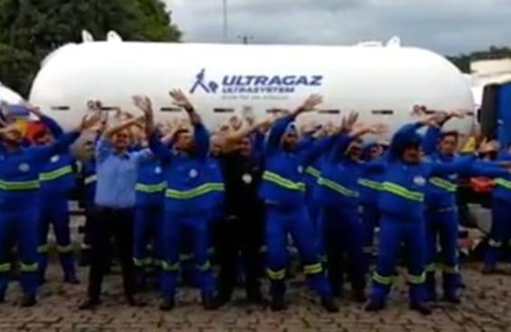 """Os funcionários da Ultragaz dançaram o """"Funk do Gás"""" e criaram o melhor inception"""
