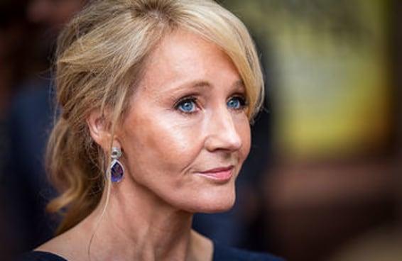 J.K. Rowling fez uma ótima observação sobre as palavras usadas para criticar as mulheres na política