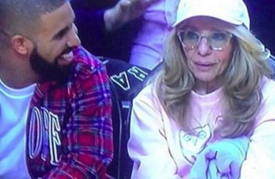 """Drake dançando """"Hotline Bling"""" com a mãe dele vai derreter seu coração"""