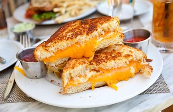 Escolha um almoço para cada dia da semana e revelaremos o seu destino