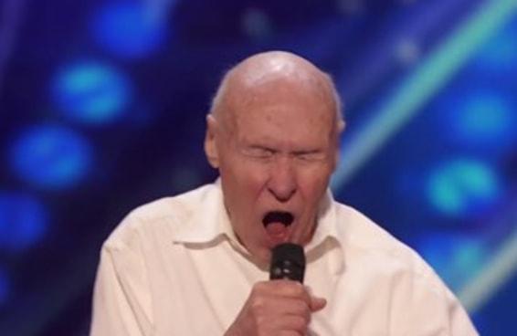 Este senhor de 82 anos é muito mais metaleiro do que você jamais será algum dia