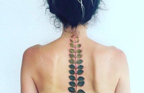 19 tatuagens inspiradas na botânica escandalosamente lindas