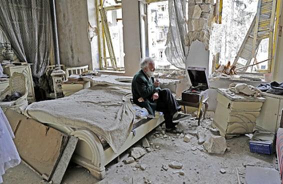 Conheça a história por trás da foto que rodou o mundo tirada na guerra da Síria