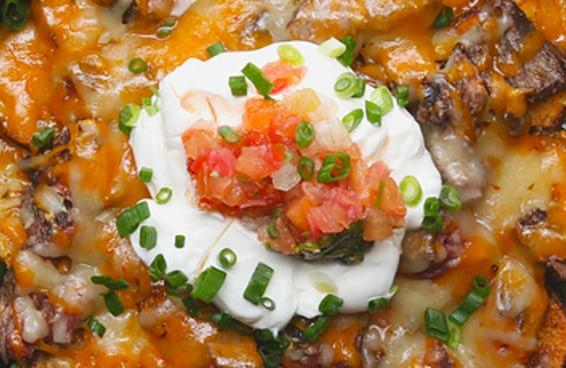 Sua vida nunca mais será a mesma depois de preparar estes nachos de carne e batata