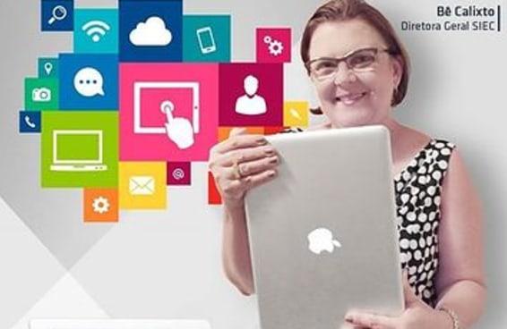 Diretora da escola que virou meme posa segurando MacBook como se fosse iPad