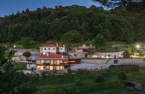O luxuoso imóvel em Portugal do empresário acusado de pagar propina a Cunha