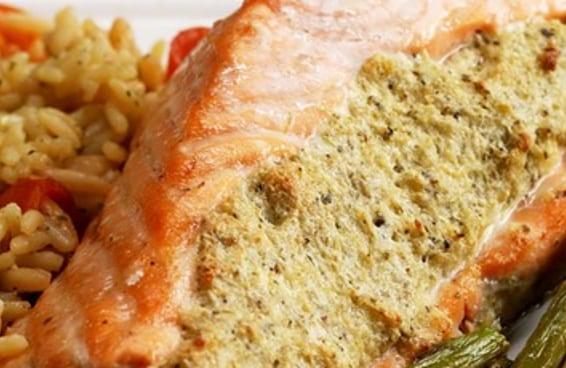 Este salmão recheado é a opção light desta semana