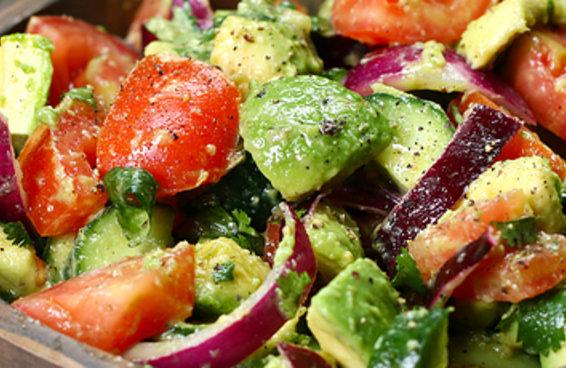 Esta salada refrescante vai fazer você se sentir muito bem
