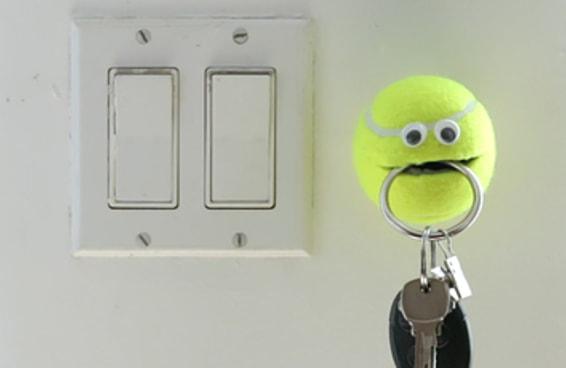 Faça este divertido segurador de objetos feito com bola de tênis