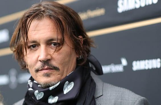 """Johnny Depp pediu demissão do seu papel na franquia """"Animais Fantásticos"""" após ser derrotado em seu processo de difamação"""