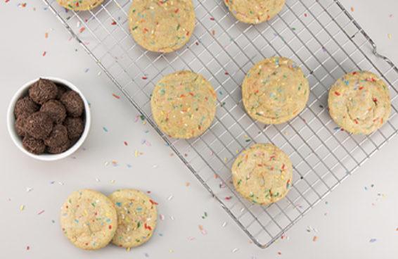 Juntamos cookies com brigadeiros e criamos a sobremesa suprema!
