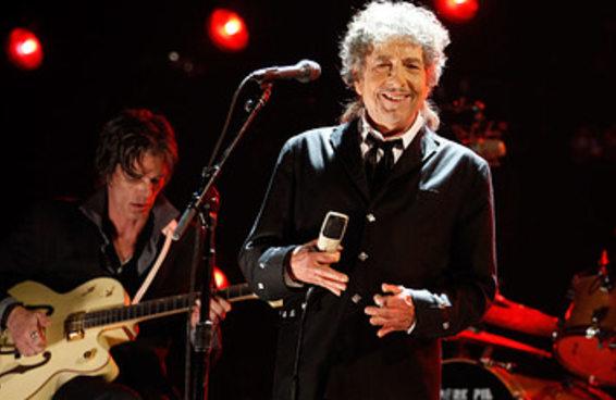 Por que Bob Dylan, ao ganhar o Nobel, foi comparado a poetas clássicos