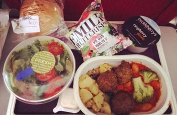 Aqui estão 29 refeições servidas em linhas aéreas ao redor do mundo