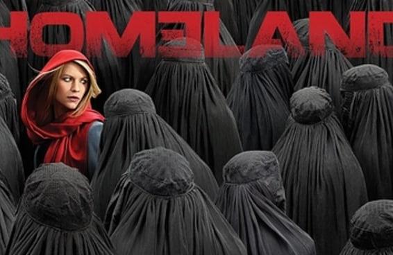 """Grafiteiros escrevem """"Homeland é racista"""" em árabe no estúdio da série em Berlim"""