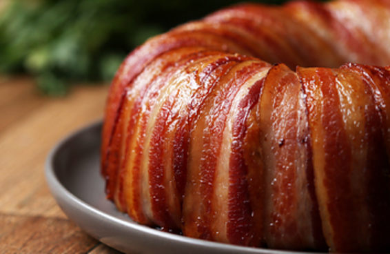 Este bolo de frango com bacon vai aparecer nos seus sonhos