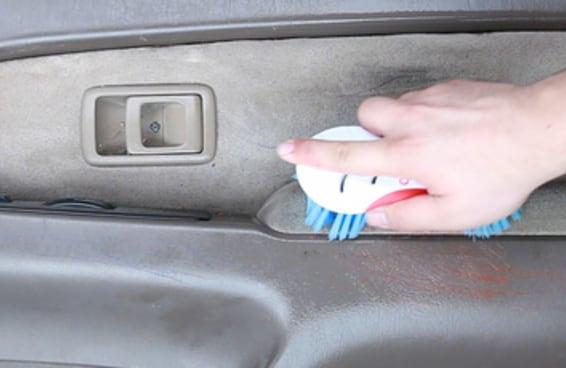 Deixe seu carro limpo com esta mistura caseira
