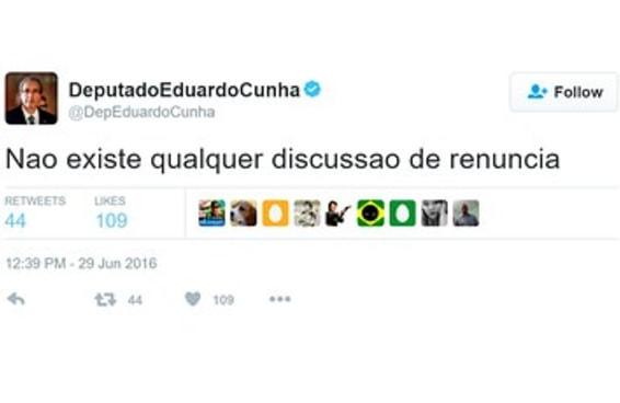 Tuítes em que Cunha negou que renunciaria foram apagados