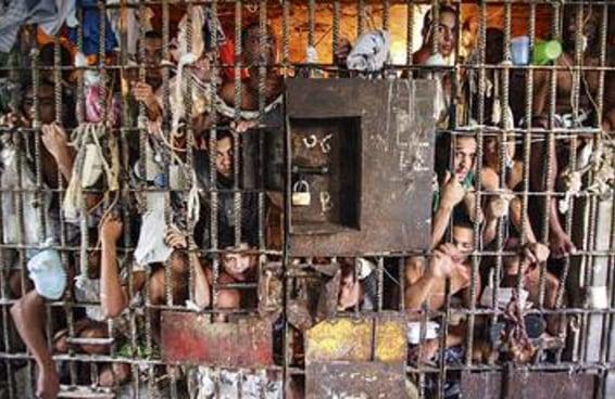 7 documentários sobre o sistema prisional brasileiro que a Xuxa deveria assistir