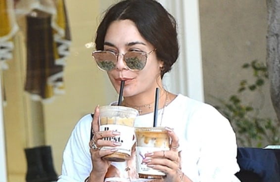 25 pessoas famosas que bebem café gelado, e você provavelmente não sabia