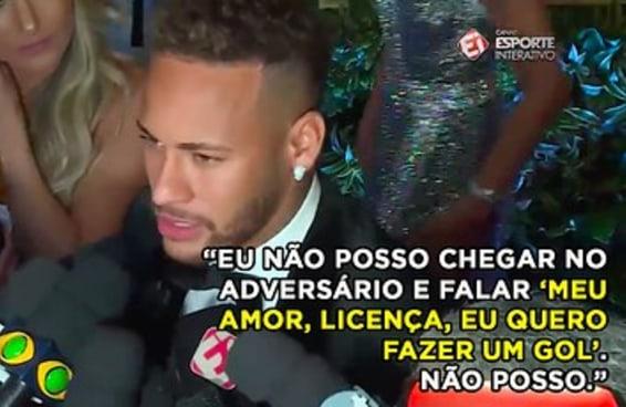 O Neymar se jogou no deboche para responder as críticas que recebe