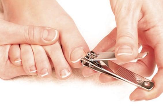 13 provas de que cortar a unha do pé é a pior coisa do mundo